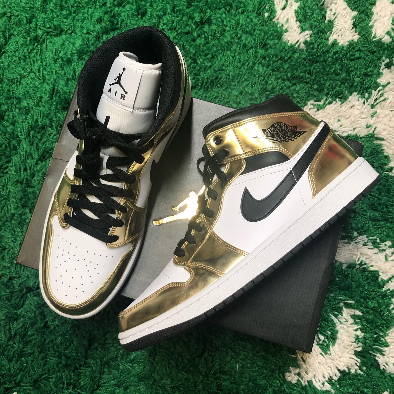 Air Jordan 1 Mid Metallic Gold Black White Size 11