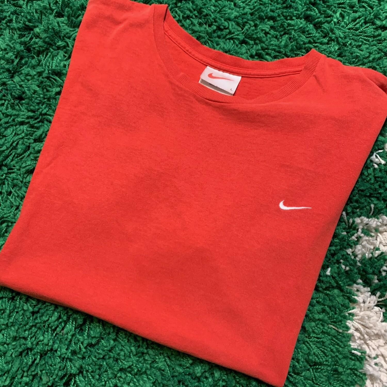 Nike Pocket Swoosh Tee Orange Size Large