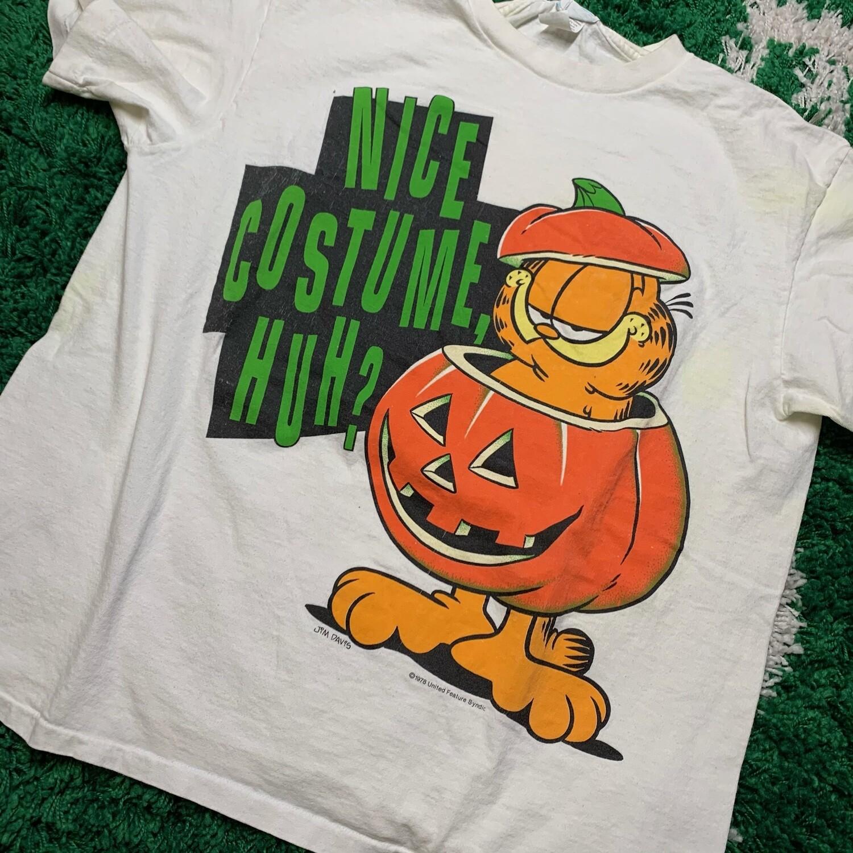 Garfield Nice Costume huh? Tee Size Large