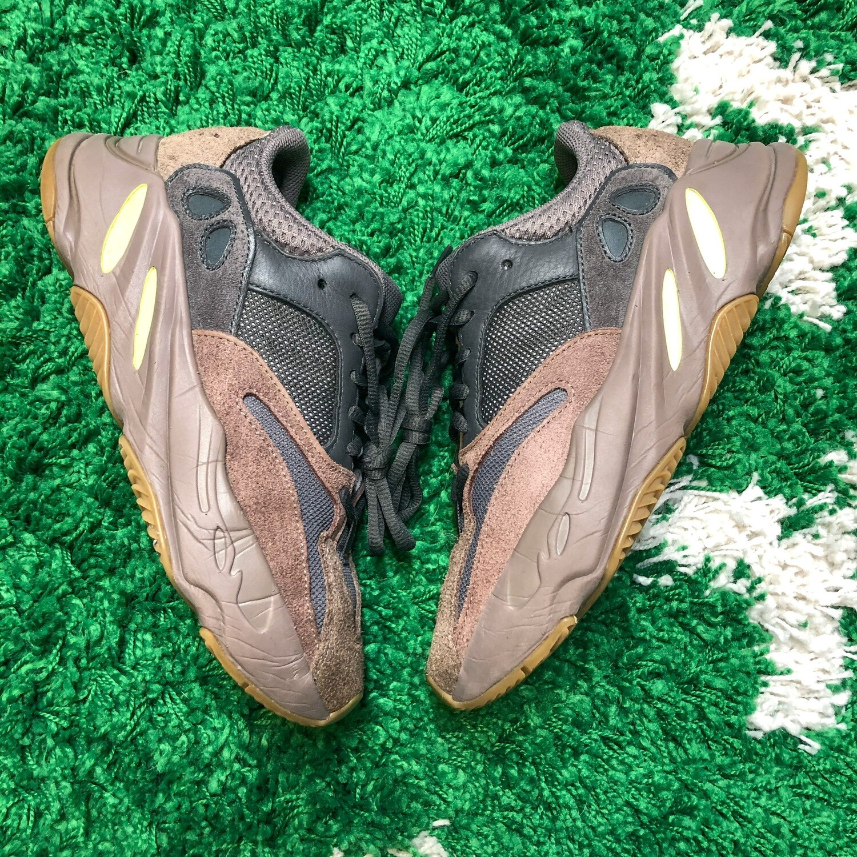 Adidas Yeezy Boost 700 Mauve Size 6.5