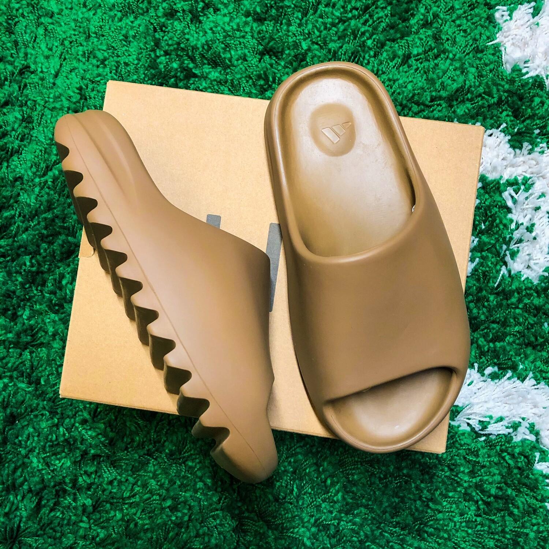 Adidas Yeezy Slide Core Size 6