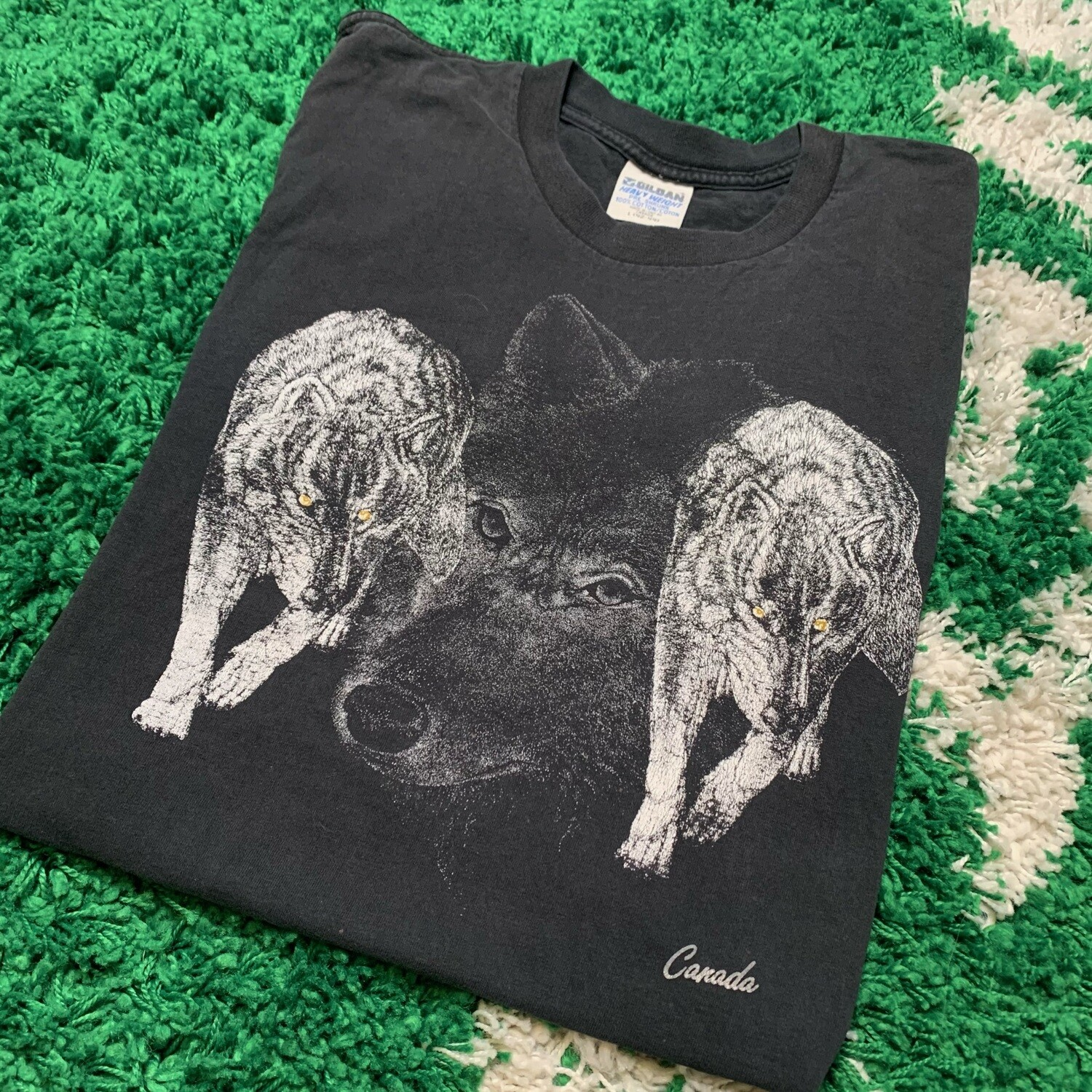 Vintage Wolf Canada Tee Size Large