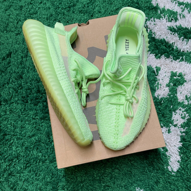 Adidas Yeezy Boost 350 V2 Glow Size 9