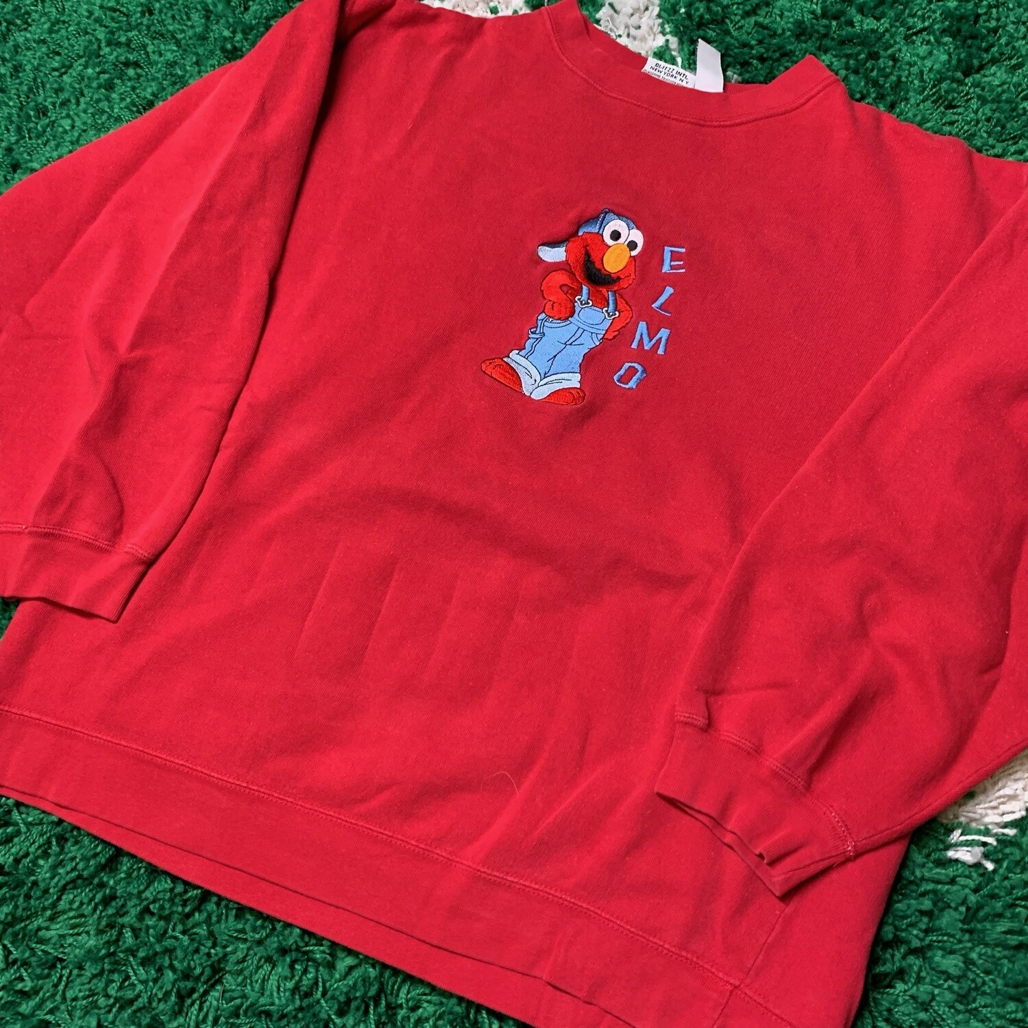 Elmo Stitched Sweater Red Size Large