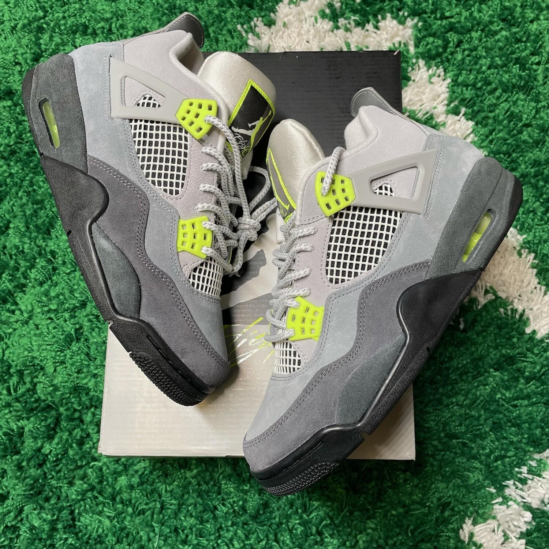 Jordan 4 Retro SE 95 Neon Size 8.5