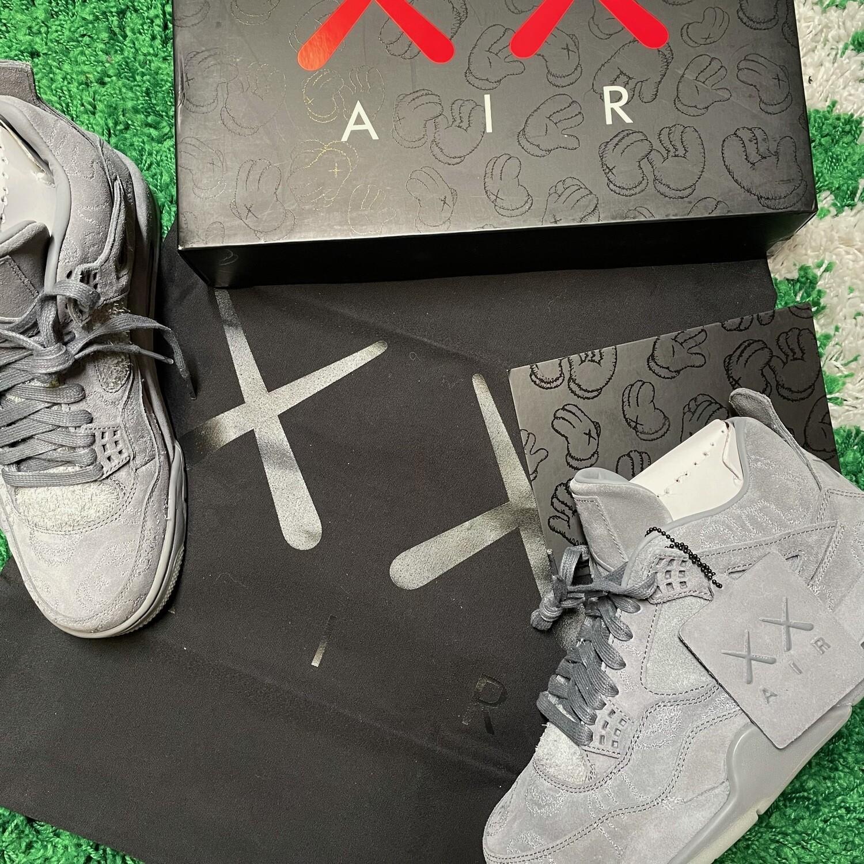 Air Jordan 4 Retro Kaws Grey Size 8.5