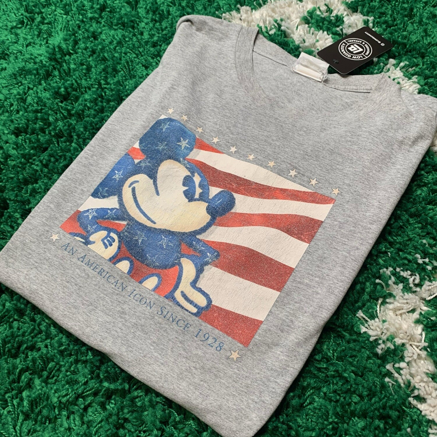 Mickey Mouse an American Icon since 1928 Size XL