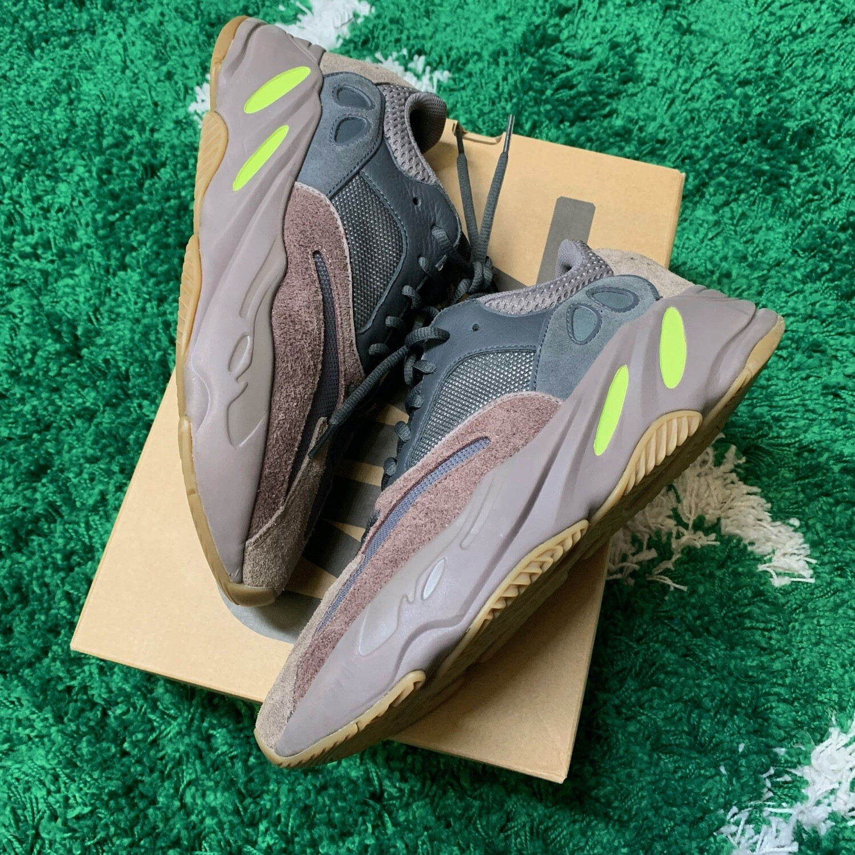 Adidas Yeezy Boost 700 Mauve Size 9.5