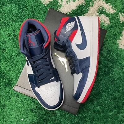 Air Jordan 1 Mid SE USA Size 10.5