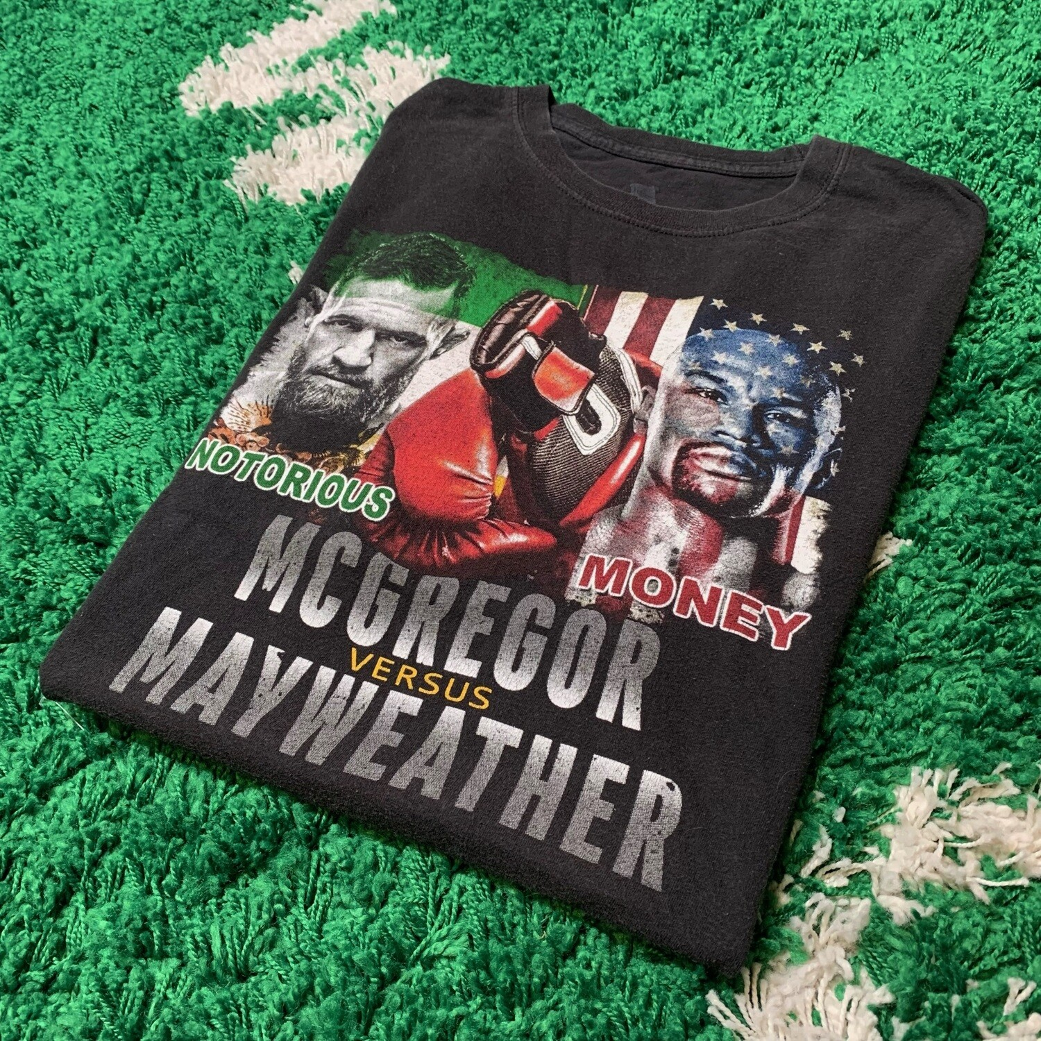 The Money Fight Floyd Mayweather and Conor McGregor 2017 Size XL