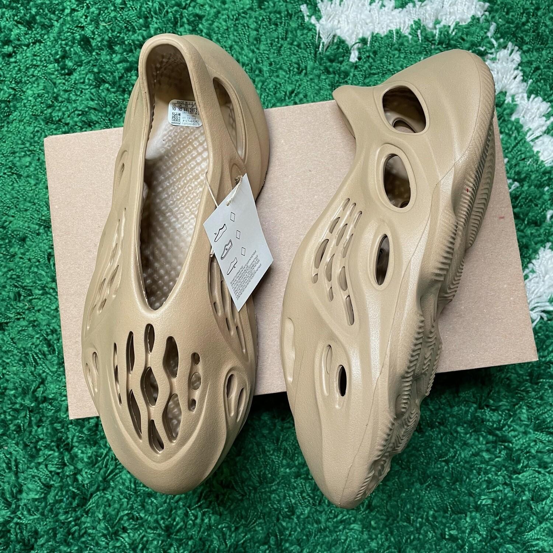 adidas Yeezy Foam RNNR Ochre Size 10