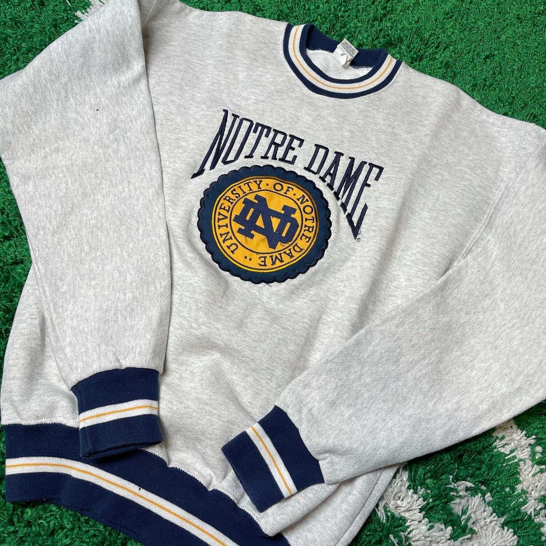 University of Notre Dame Sweater Size Medium