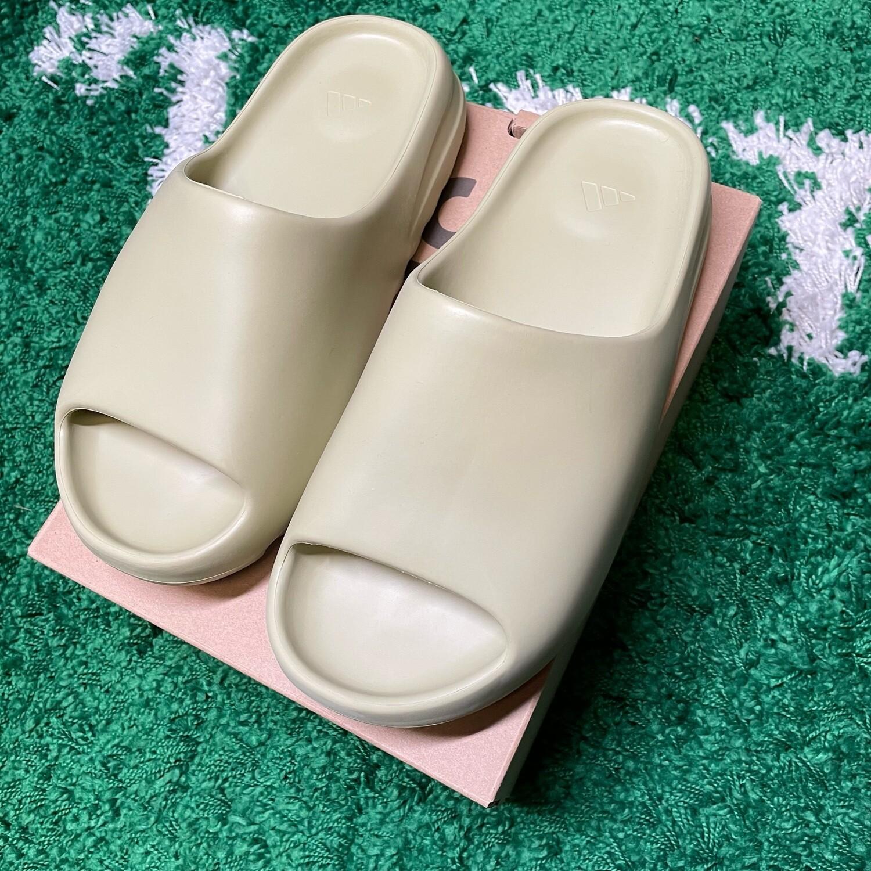 adidas Yeezy Slide Resin Size 11