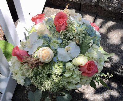 $150 Seasonal Wrapped Bouquet (no vase)