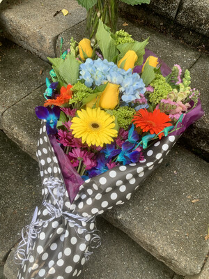 $100 Seasonal Wrapped Fresh Flower Bouquet (no vase)