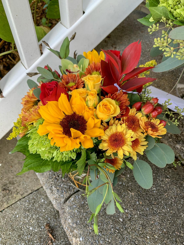 $75 Thanksgiving Fresh Flower Centerpiece Arrangement