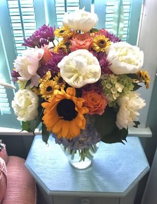 $250 Seasonal Fresh Flower Arrangement
