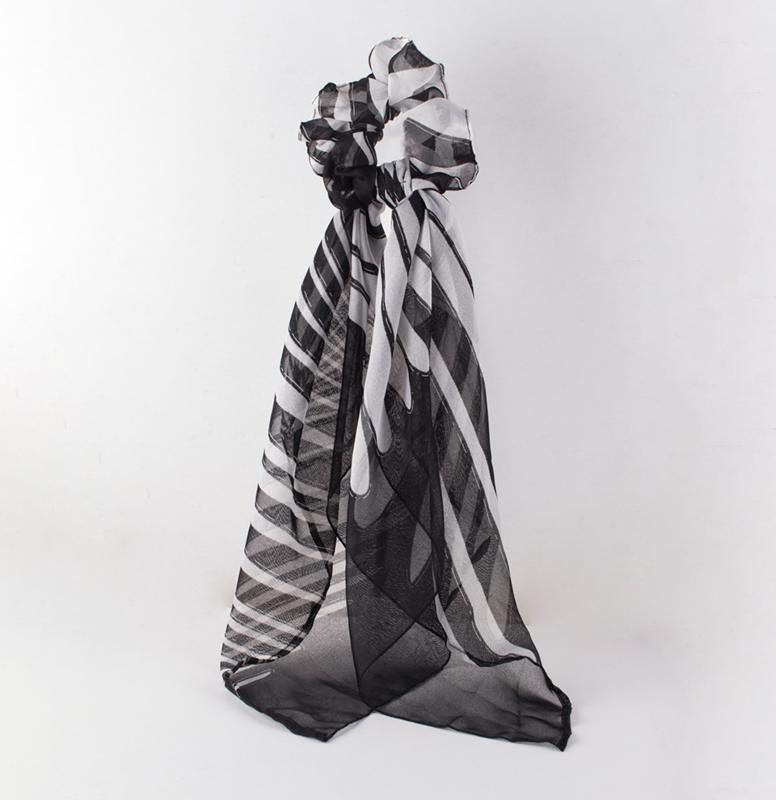 Scrunchie with Large Cloth