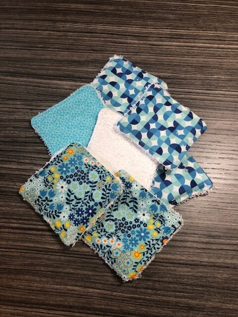Facial Wipes  Re-Usable   Bright Blues!