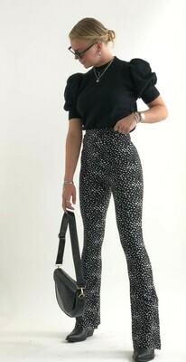 Elin black & white