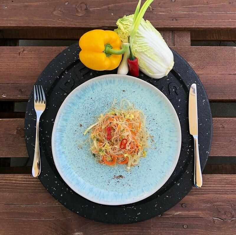 Marinierter Glasnudelsalat mit Gemüse (Vegan)