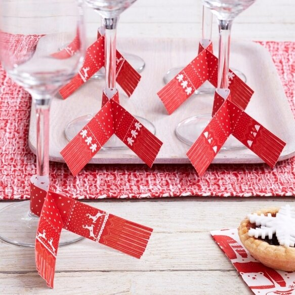 6 Red And White Festive Glass Scarf Decorations