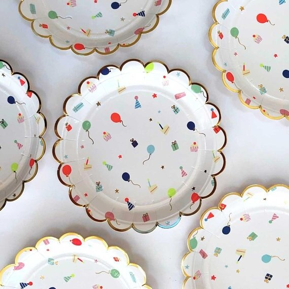 8 Party Icon Small Scalloped Plates