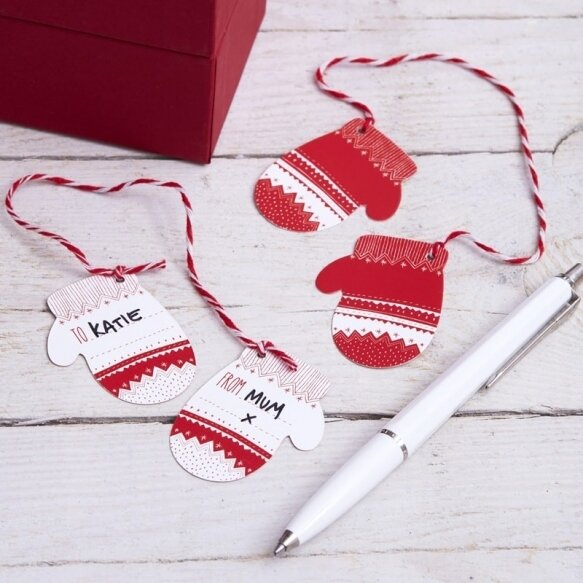 6 RED AND WHITE FESTIVE MITTEN GIFT TAGS