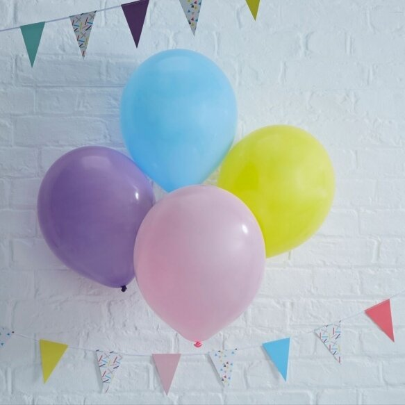 8 Colourful Balloons