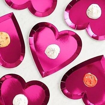 8 Die Cut Valentine's Heart Plates
