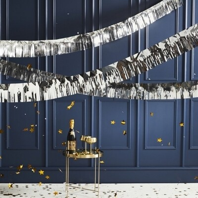 SILVER FOILED FRINGE GARLAND DECORATION