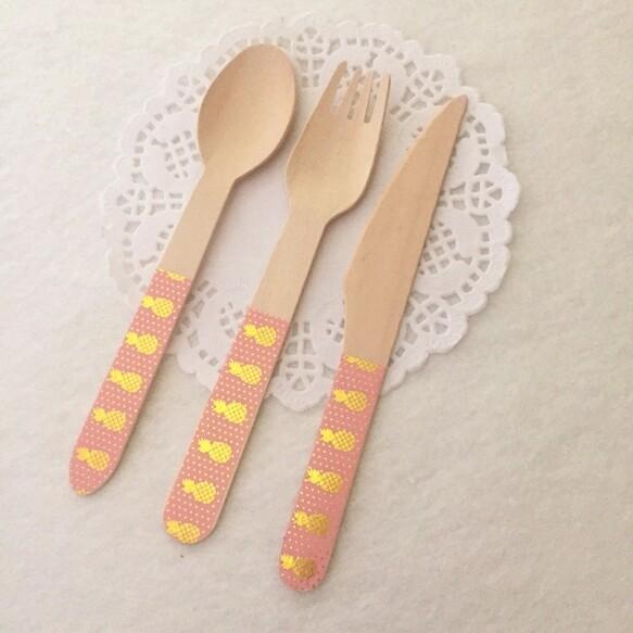 12 Foil Pineapple Knives