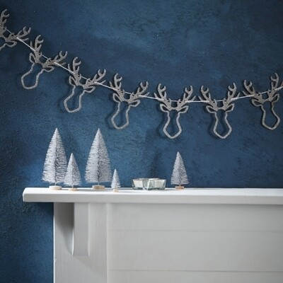 SILVER GLITTER WOODEN STAG HEAD BUNTING