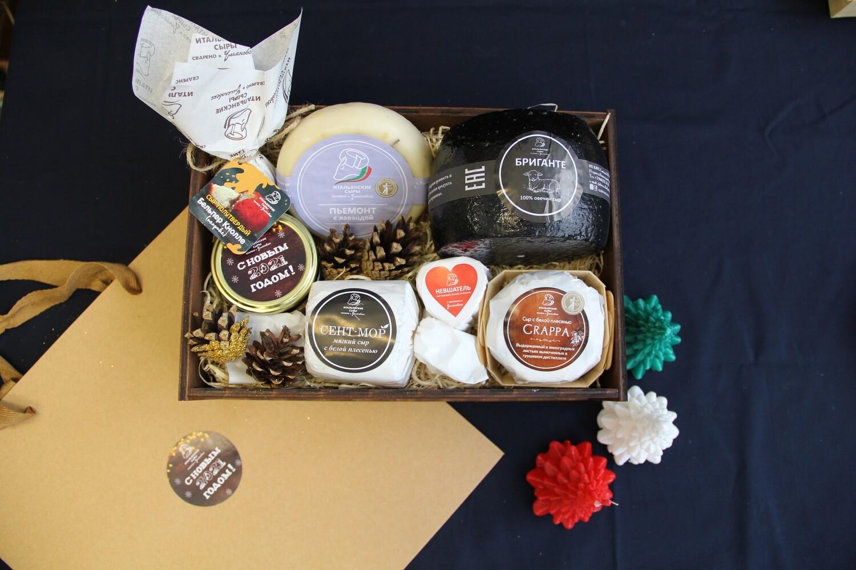 """Подарочный набор """" Сыромания"""" # 2 - в брендированной деревянной коробке"""