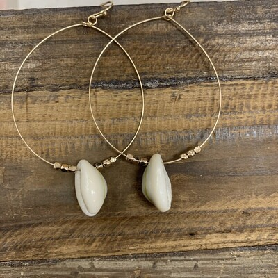 Single Shell Loop Earrings