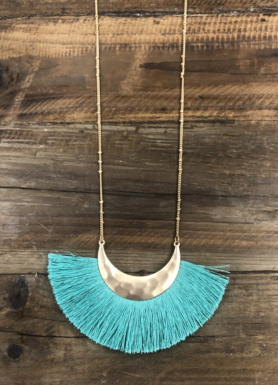 Fringe v&l necklace