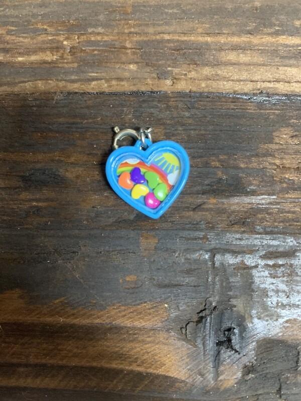 Charm Rainbow Heart Shaker