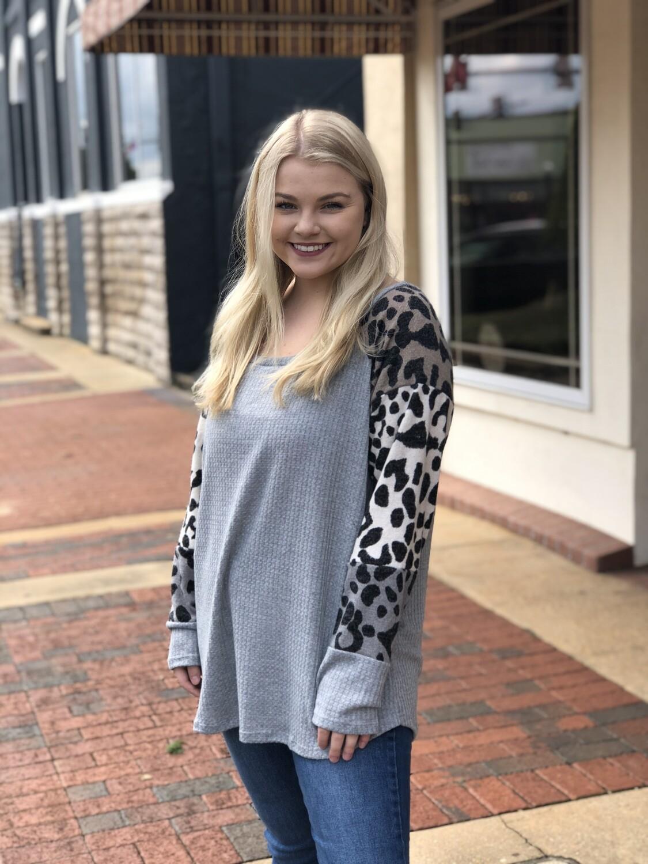 Light Gray Leopard Print Sleeves