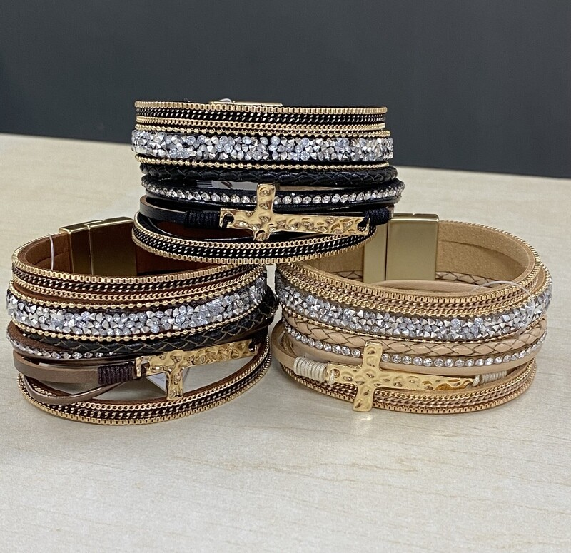 Magnetic Bracelet w/Gold Cross
