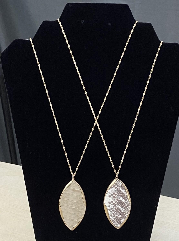 Long Necklace w/Leaf Shape