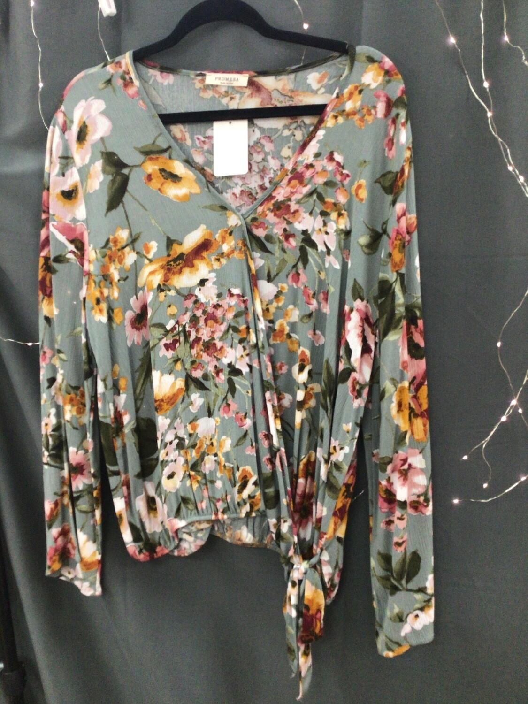 Floral LS Tie Top Size Medium