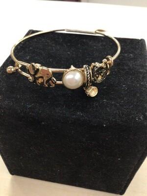 Dangle Bracelet