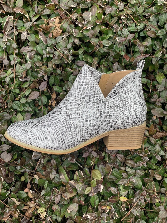 Shoes Corkys Port