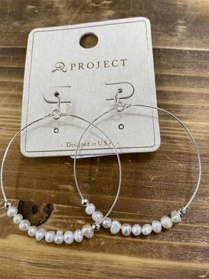 Hoop w/Pearl Row Earring
