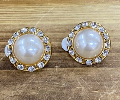 Round Gold Pearl Clip On Earrings