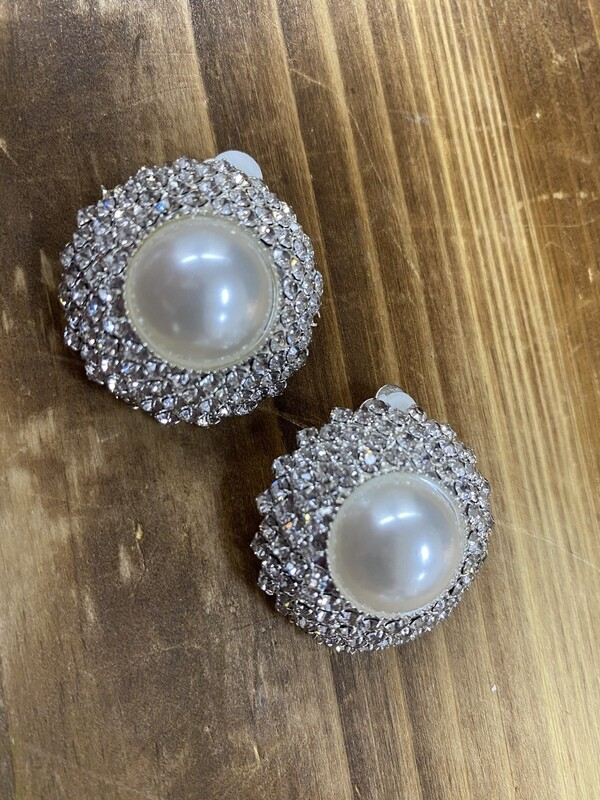 Lg Pearl w/Clear Stones Clip On Earrings