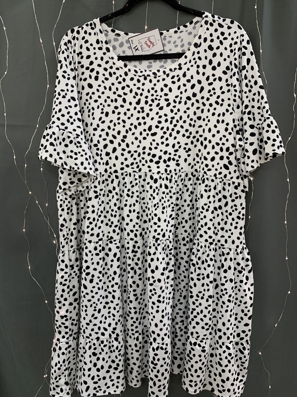 Short Sleeve Dalmatian Babydoll Dress (Plus)