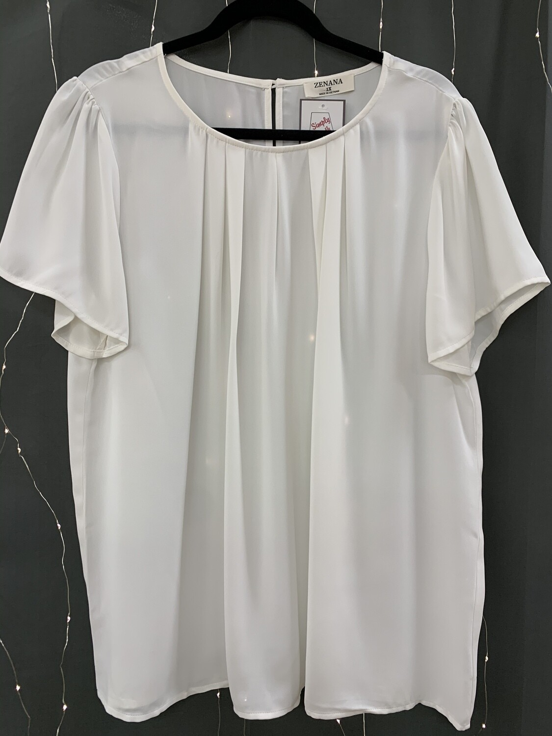 Woven Short Sleeve Pleated Top (Plus)