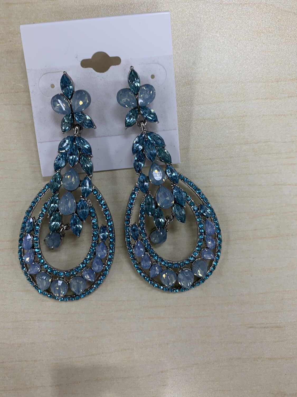 Formal Earrings Blue Ice Rounded