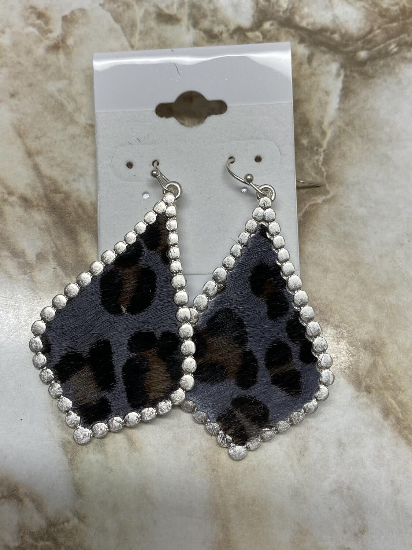 Studded Leopard Shaped Teardrop Earrings